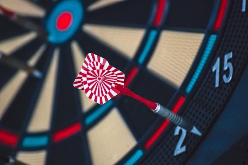 accuracy-accurate-arrow